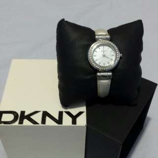 Authentic DKNY 100%.original price 8,200
