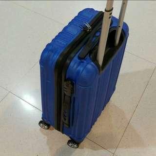 行李箱/旅行喼 20吋.3kg