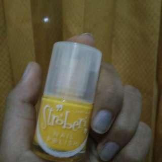 Stroberi nail polish Yellow
