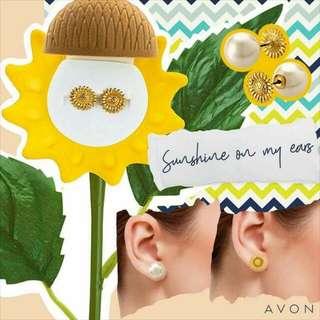 Sunflower & Pearl Earrings