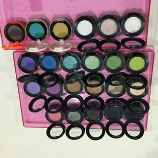 Mac (Clearance) Eyeshadow $10 each only. While stock last.