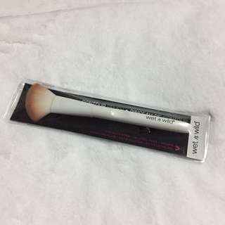 Wet n wild contour brush