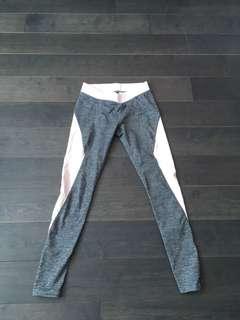grey/ pink leggins