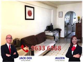 Selling 3NG HDB flat AMK (near MRT)