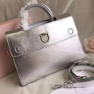 Diorever Silver