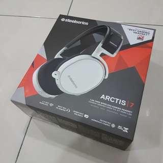 Steelseries Arctis 7 wireless headphone (white) (barely used)