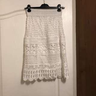 白色蕾絲過膝裙