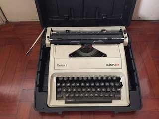 打字機 Typewriter