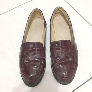 英倫洛克莎漆皮皮鞋酒紅色