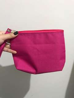 Pouch hot pink kecil