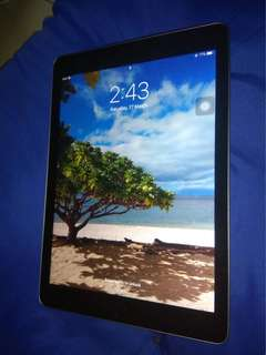 Selling iPad 2017 9'7 128GB Gray
