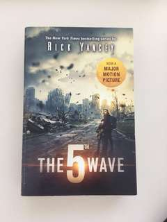 The 5th Wave Paper back