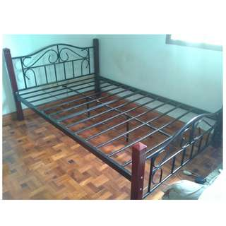 Metal Bed Frame-Size Double (wood Stand)