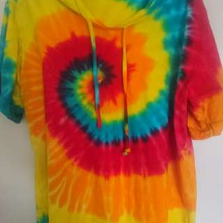 Tie dyed top with hood size XXL