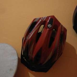 Helm Sepedah
