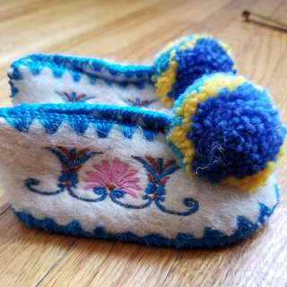 Traditional Greek shoes. Baby gift. BNIB. Regiftable. by Minas. Paid $59. Size 18. Approx 6mths.  Pick up Beaches or Yorkville. Ad will be removed