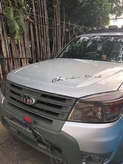 FORD EVEREST 2013 ( Limited Edition)