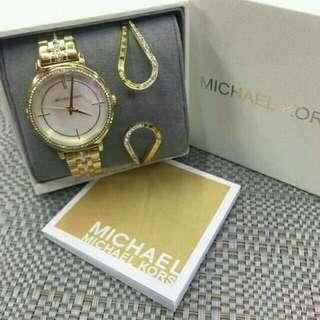 Michael Kors Set for Sale