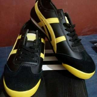 Onitsuka shoes