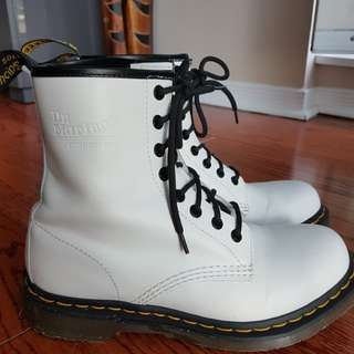 Dr Martens White Leather Boots US 8, UK 6