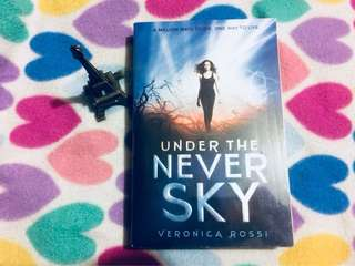 (SIGNED) UNDER THE NEVER SKY - Veronica Rossi