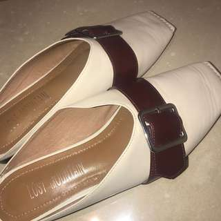 Lost Mountains beige leather authentic Mule slippers