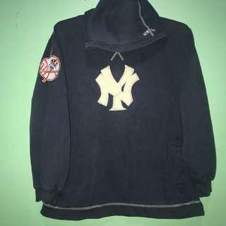 New York Yankees Primary Logo Pullover Hoodie