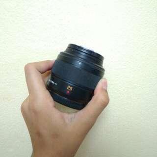 Panasonic Leica 25mm f1.4 lens