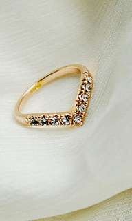 Elegant V-shaped ring