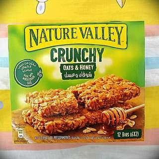 Nature Valley oats and honey 燕麥蜜糖營養脆條 (1盒)