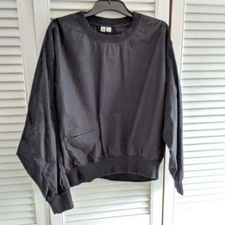 Funky Uniqlo sports jumper with key pocket size M