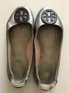 Tory burch flat shoes silver