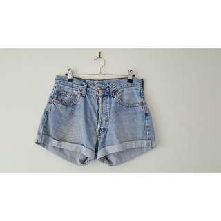 Vintage Levi Mid Shorts