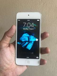 iPod Touch 5th Gen 32GB with Camera