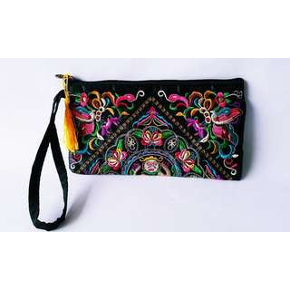 EMBROIDERED CLUTCH (YELLOW TASSLE)