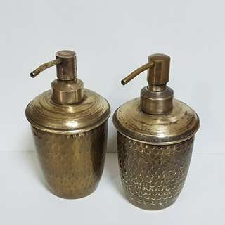 Toulet soap dispenser in brass. Antique look