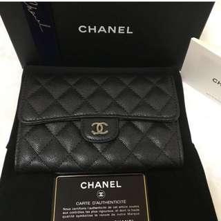 Chanel wallet 中Size 閃銀牛皮黑銀扣銀包