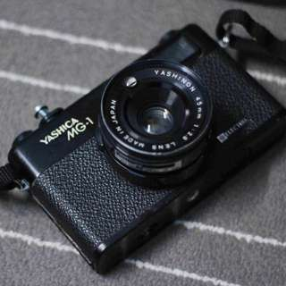 Yashica Electro MG-1 Film Camera