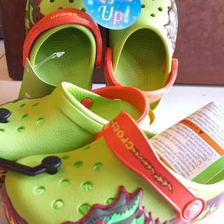 Crocs light up