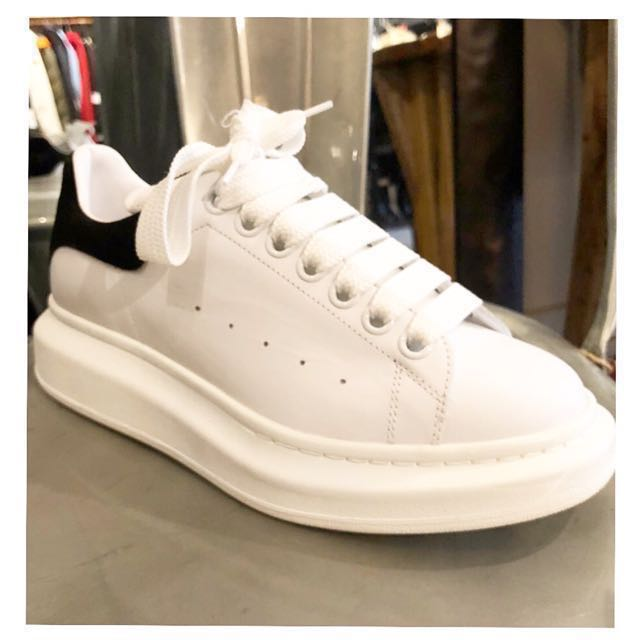 100% authentic never worn ALEXANDER MCQUEEN size 38 white sneakers 👌🏻👟