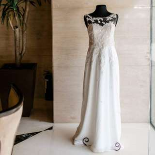 Pre-loved Wedding Gown - REDUCED! (used last 02.24.18)