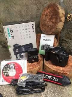 Canon 7D lengkap