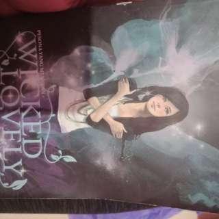 Novel wicked lovely