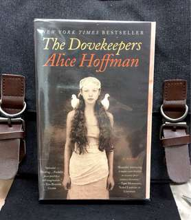 《Preloved Good Condition + A Fiction tale Inspired by the Massacre of Hundreds of Jewish People At Masada》Alice Hoffman - THE DOVEKEEPERS