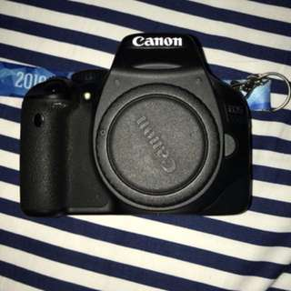Selling Canon EOS 550D (lens not included)