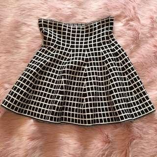 Black&White knitted skirt