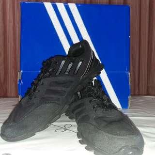 Preloved Sepatu Running Adidas Black Original