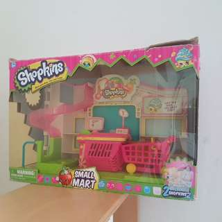 Shopkins small mart / pop into the store