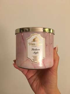 "WHITE BARN CANDLE ""Heirloom Apple"""