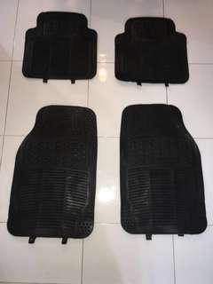 4 piece front and rear car mats (rubber)